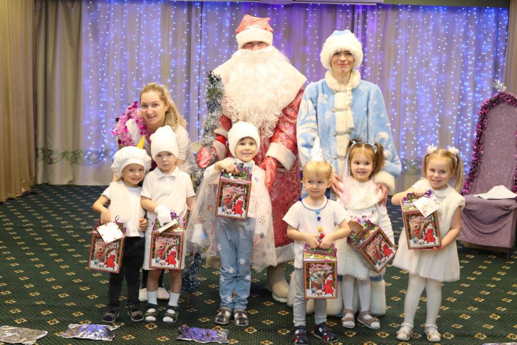 """Новогодние праздники в детском саду """"Лотос"""""""